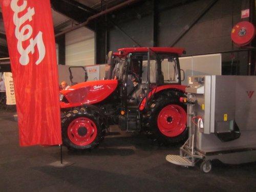Foto van een Zetor Major 80. Geplaatst door jordi 1455 op 07-11-2019 om 20:50:31, op TractorFan.nl - de nummer 1 tractor foto website.