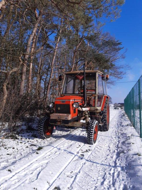Foto van een Zetor 6911/6945 Ritje gemaakt in de zon en sneeuw.. Geplaatst door z6911 op 12-02-2021 om 12:27:10, met 14 reacties.