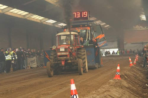 Foto van een Zetor 4511, bezig met trekkertrekken.. Geplaatst door RobinVL op 05-03-2013 om 19:27:21, op TractorFan.nl - de nummer 1 tractor foto website.