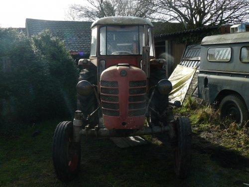 Foto van een Zetor 4011, bezig met herstellen.. Geplaatst door Jan Ramon op 03-03-2014 om 09:46:07, op TractorFan.nl - de nummer 1 tractor foto website.