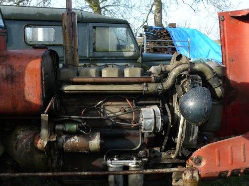 Foto van een Zetor 4011, bezig met herstellen.. Geplaatst door Jan Ramon op 03-03-2014 om 09:46:18, op TractorFan.nl - de nummer 1 tractor foto website.
