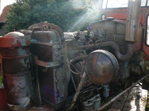 Foto van een Zetor 4011, bezig met herstellen.. Geplaatst door Jan Ramon op 03-03-2014 om 09:46:33, op TractorFan.nl - de nummer 1 tractor foto website.