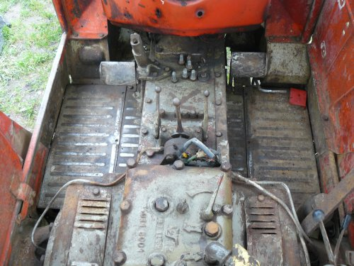 Foto van een Zetor 4011.In de cabine is het al wat opgekuist.. Geplaatst door Jan Ramon op 15-03-2014 om 09:15:57, op TractorFan.nl - de nummer 1 tractor foto website.