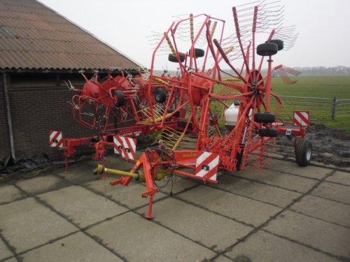 Foto van een Ziegler Hark, bezig met poseren.. Geplaatst door fendt patser op 03-03-2012 om 16:52:27, op TractorFan.nl - de nummer 1 tractor foto website.