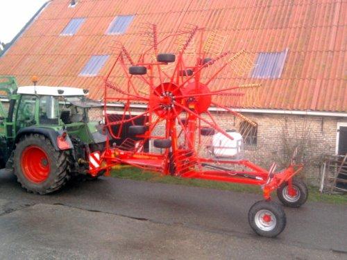foto van ziegler twin 850 vs hark hark ook weer schoon :). Geplaatst door fendt patser op 17-01-2014 om 21:27:42, op TractorFan.nl - de nummer 1 tractor foto website.