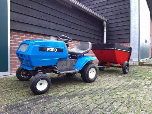 Foto van een mini-Ford. Hij is te koop!. Geplaatst door new holland koen op 27-01-2020 om 15:58:56, op TractorFan.nl - de nummer 1 tractor foto website.