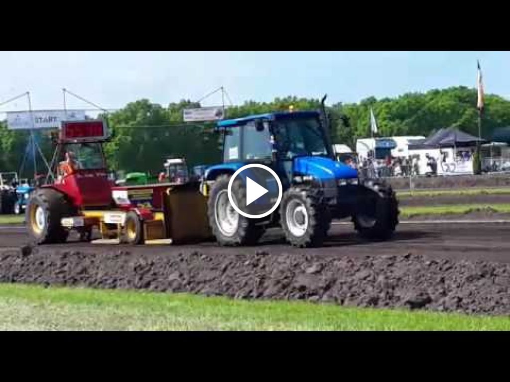 Video New Holland 4835