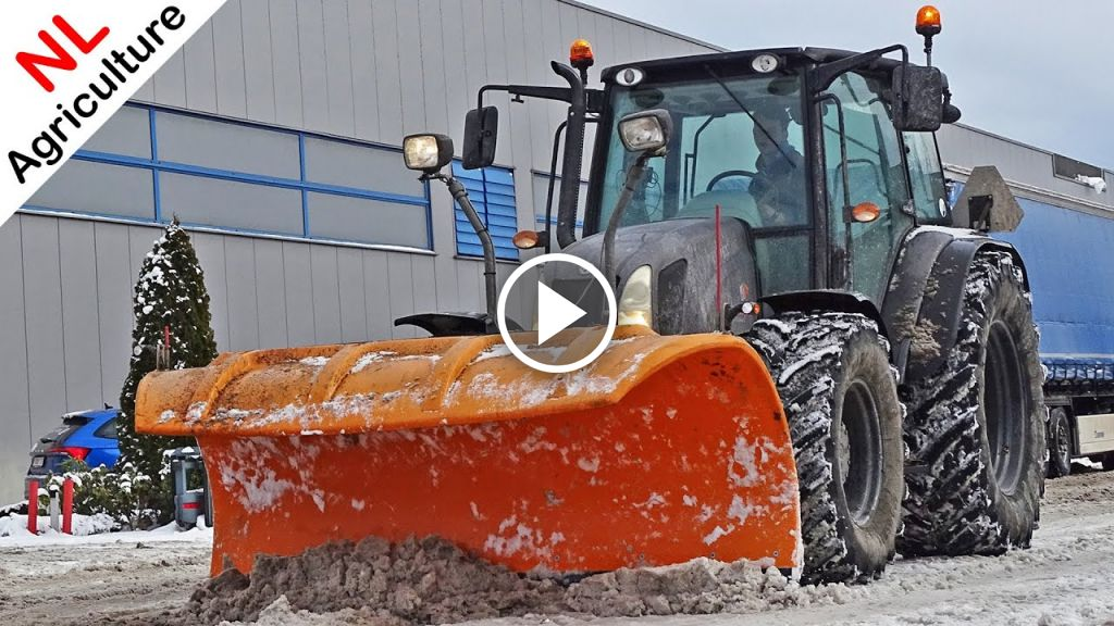Video New Holland Logo