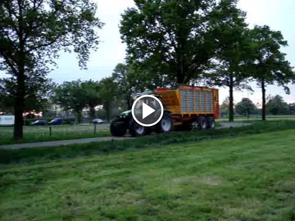 Video Deutz-Fahr Agrotron 165