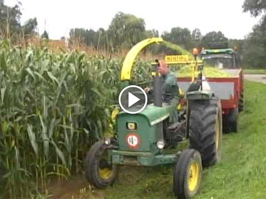 Wideo John Deere 920