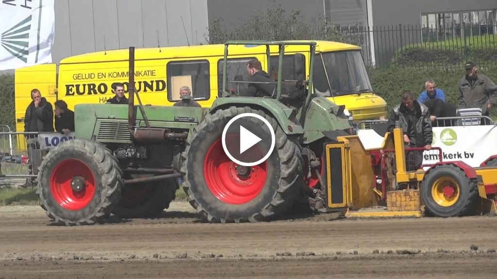 Wideo Fendt 614s