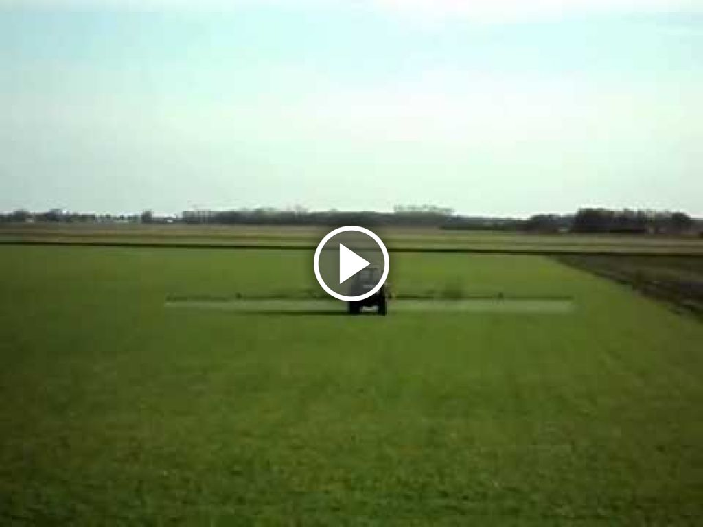 Wideo Deutz-Fahr DX 4.56