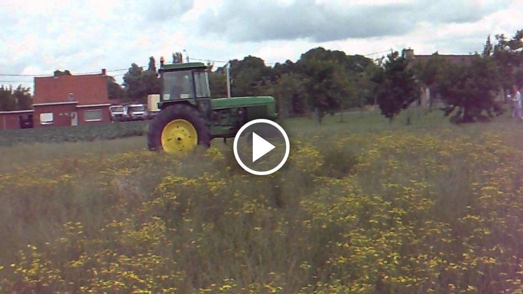 Wideo John Deere 4040