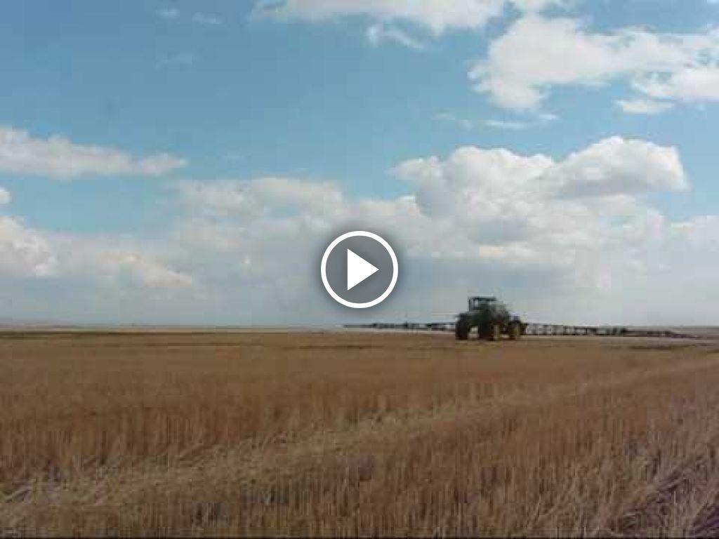 Wideo John Deere 4930