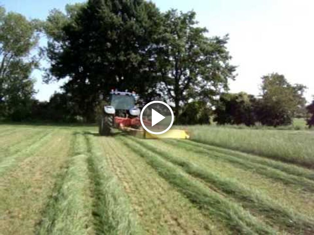 Video New Holland TM 120