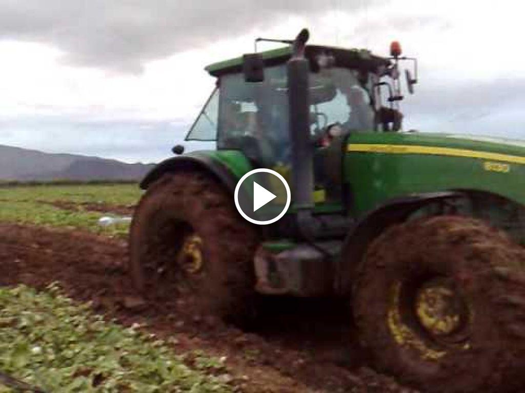 Video John Deere 8130