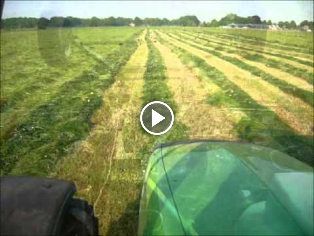 Video Deutz-Fahr Agrofarm 420