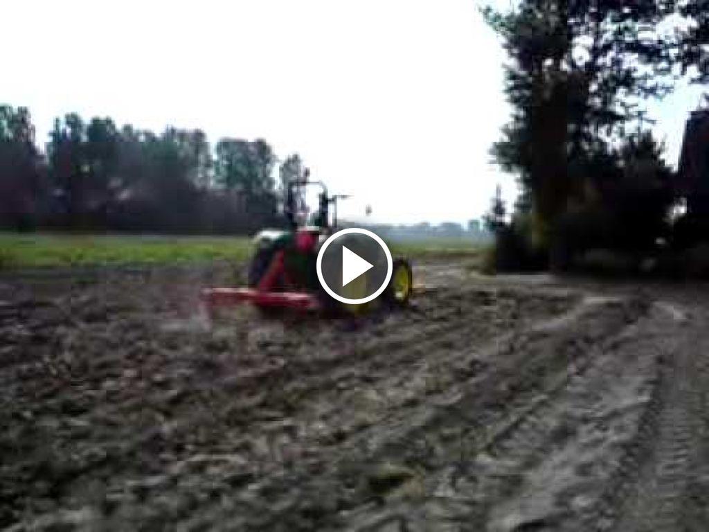 Videó John Deere 5075E