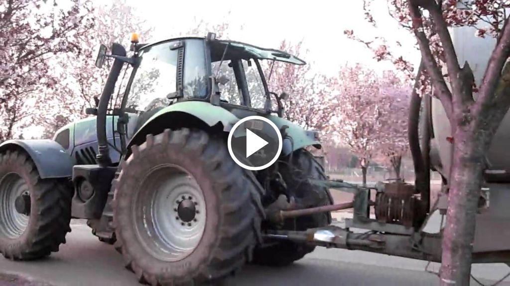 Wideo Deutz-Fahr Agrotron 260