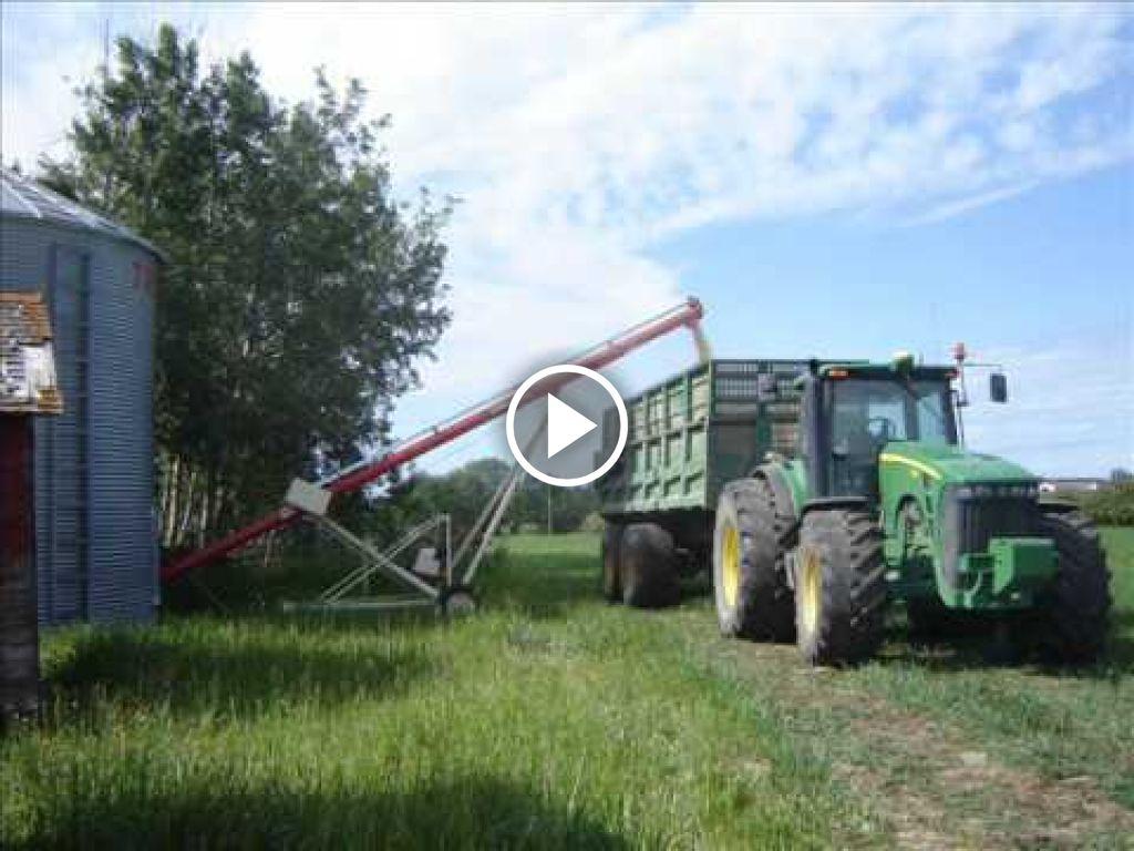Video John Deere 8330