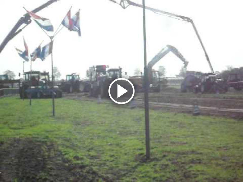 Video John Deere 4240 S