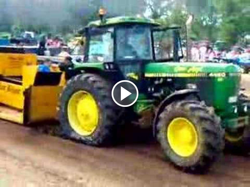 Video John Deere 4450
