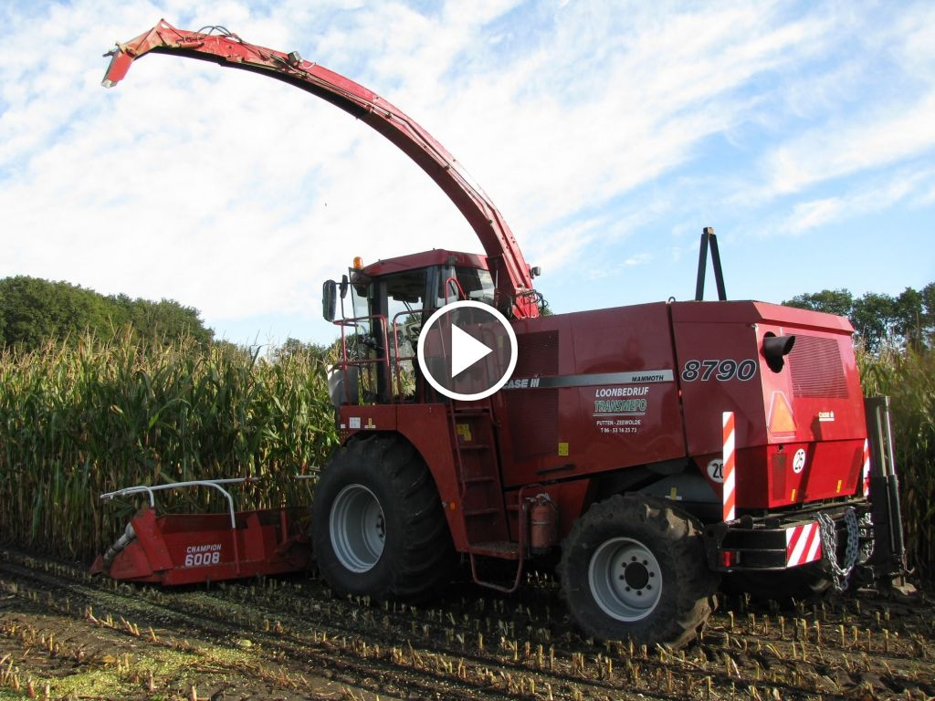 Video Case IH Mammoth 8790