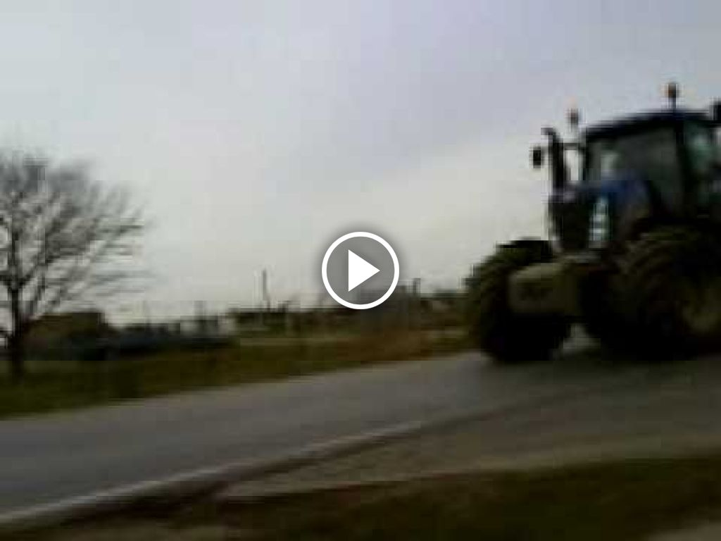 Video New Holland T 8040