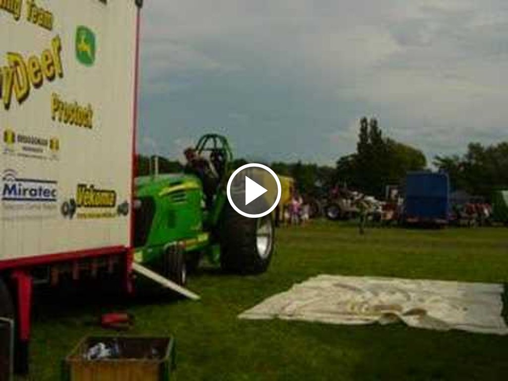 Video John Deere 7920
