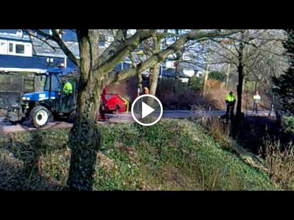 Video New Holland TN 85 FA
