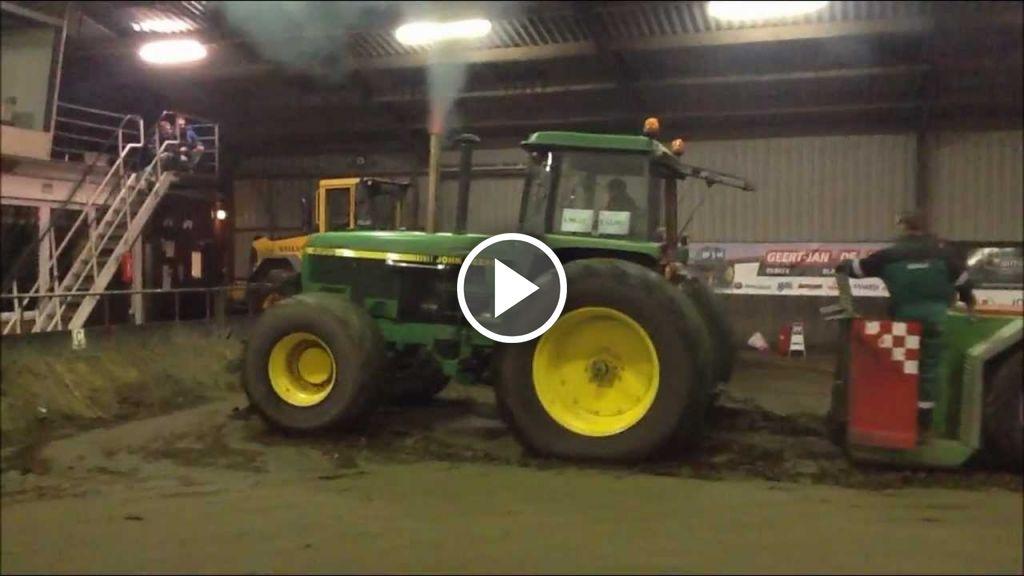 Wideo John Deere 4955