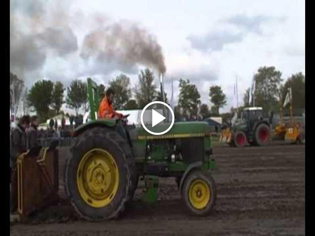 Video John Deere 3030
