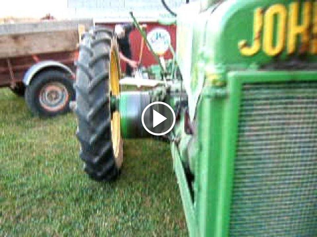 Wideo John Deere A