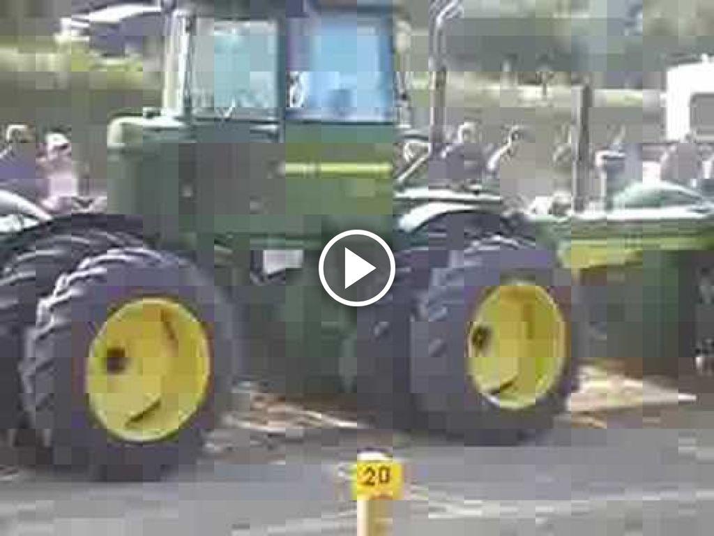 Video John Deere 830