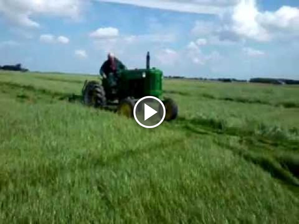 Video John Deere 40