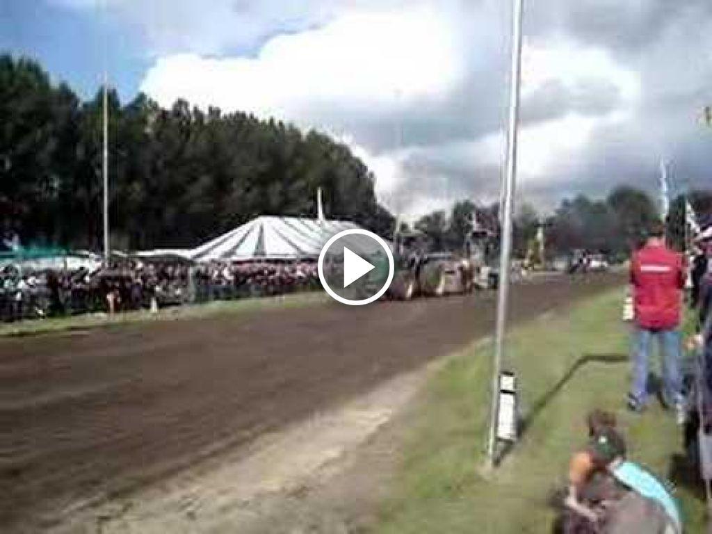 Wideo John Deere 4650