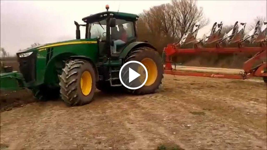Video John Deere 8310R