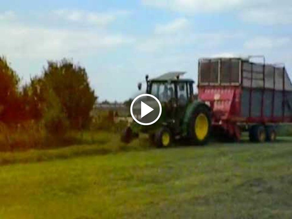 Video John Deere 6120SE