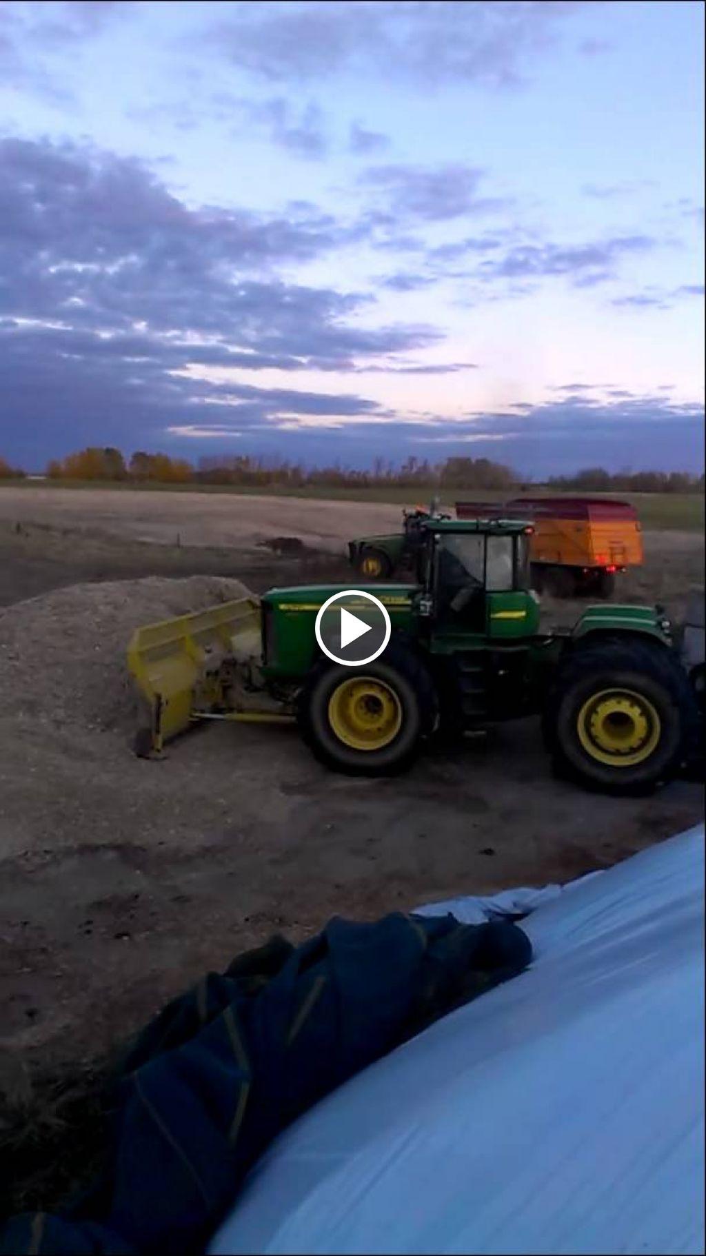 Wideo John Deere 952