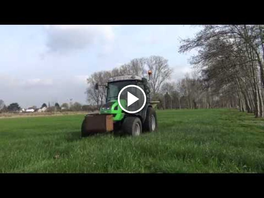 Video Deutz-Fahr Agrokid 230