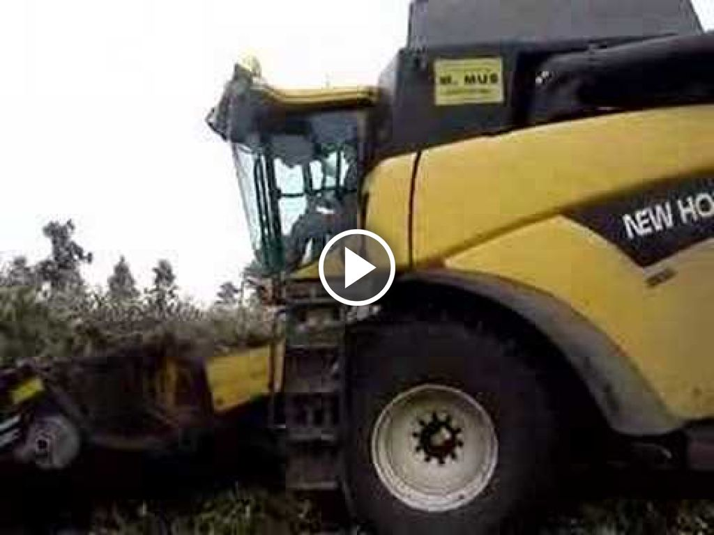 Video New Holland E 265