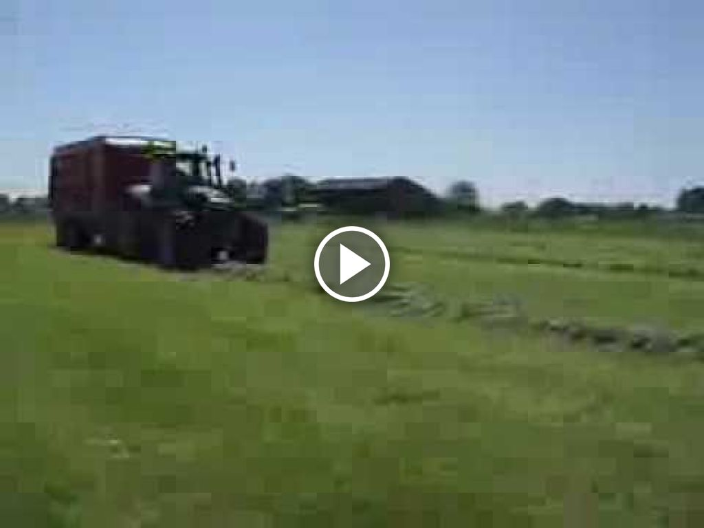 Video Deutz-Fahr Agrotron 210