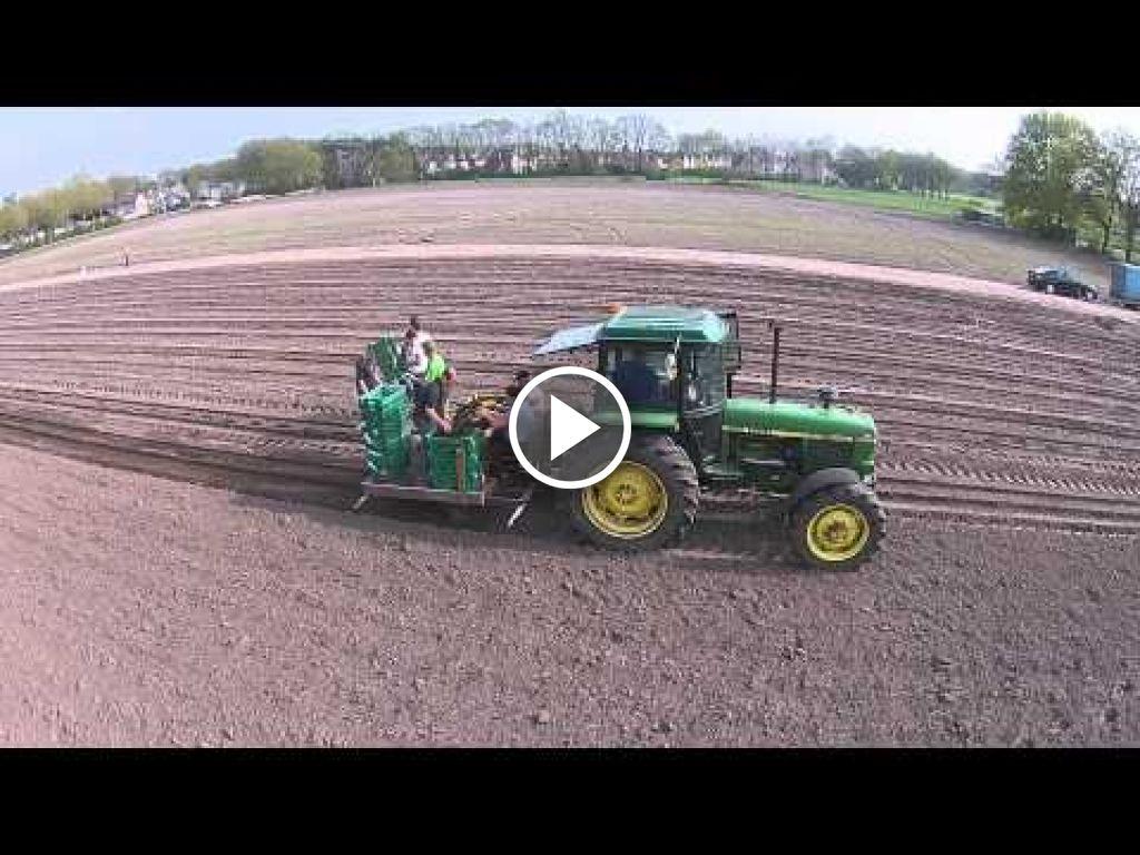 Video John Deere 3040