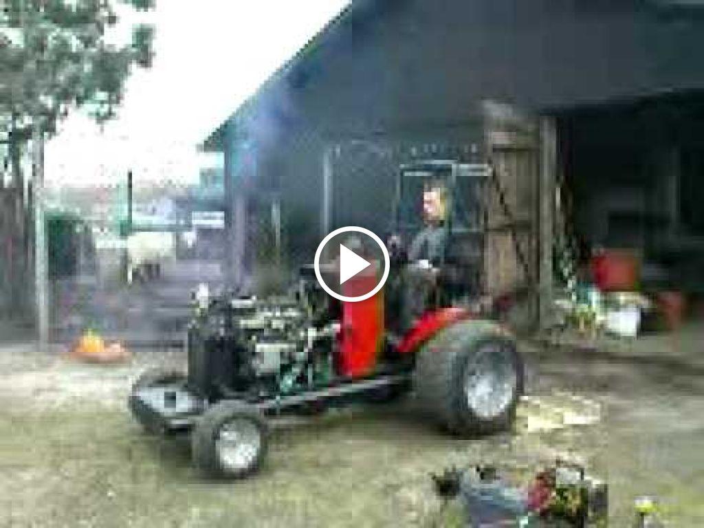 Vidéo Massey Ferguson 135