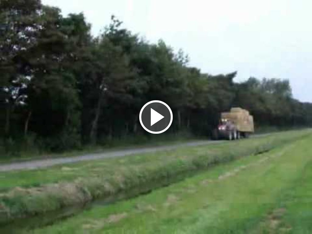 Video New Holland G 170