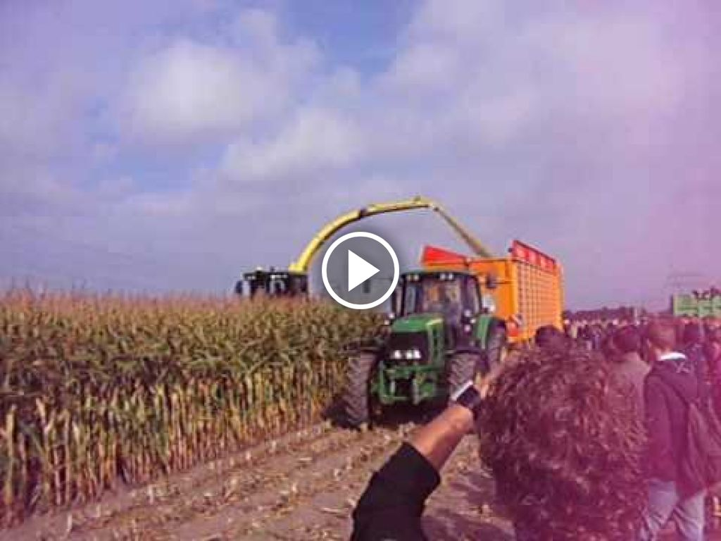 Wideo John Deere Hakselaar
