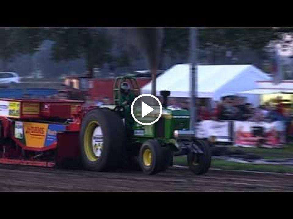 Video John Deere 4250