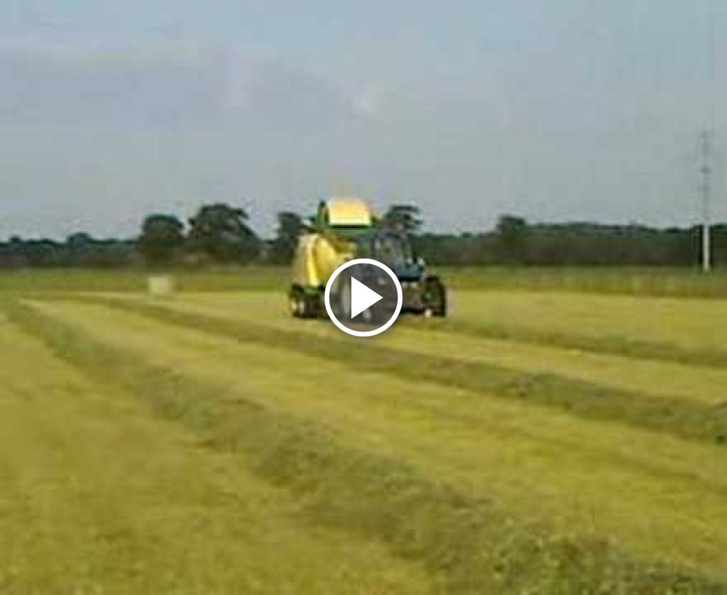 Video New Holland 8340