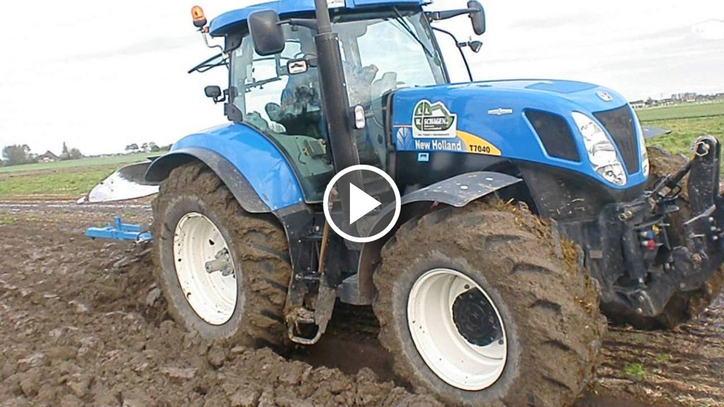 Video New Holland T 7040