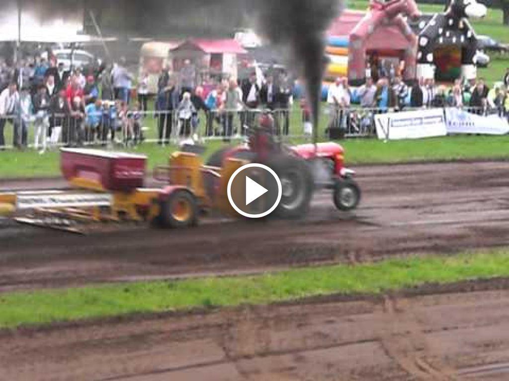 Vidéo Massey Ferguson 35